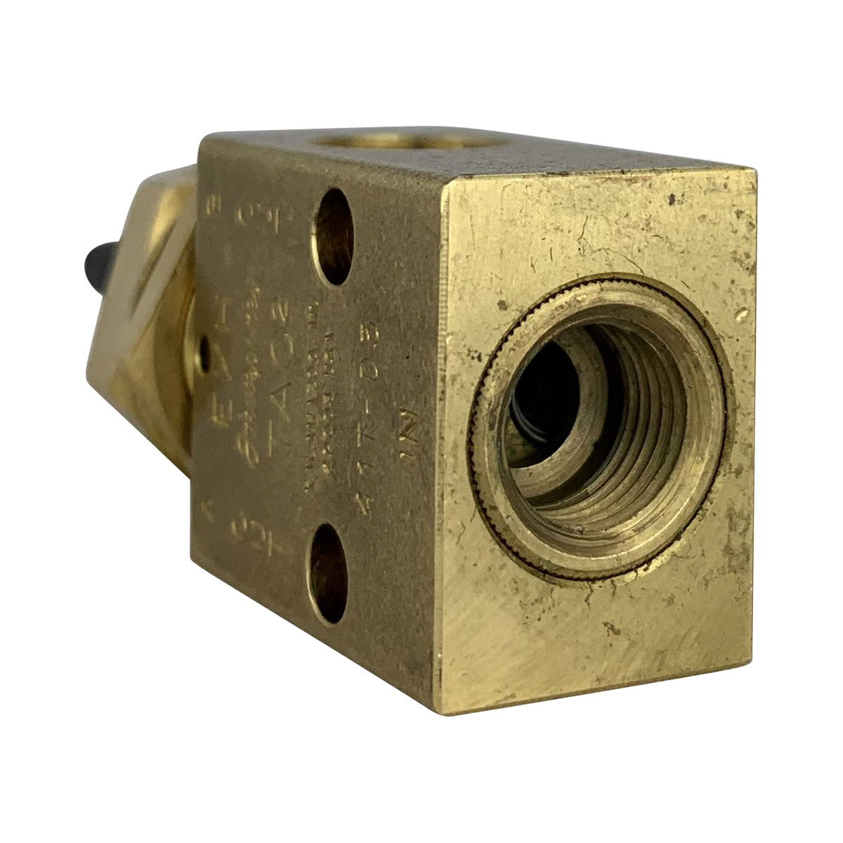 3 way brass valve with toggle and threaded collar
