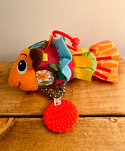 Load image into Gallery viewer, Infantino Loveable Linking Jittery Fish Pal Activity Toy