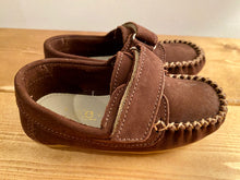 Load image into Gallery viewer, TOKE Brown Suede Loafers