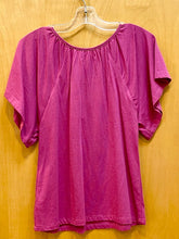Load image into Gallery viewer, Gap Kids Fuchsia Shirt