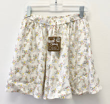 Load image into Gallery viewer, Matilda Jane 435 Floral Shorts