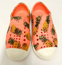 Load image into Gallery viewer, Native Pineapple Print Shoes
