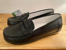 Load image into Gallery viewer, KONE Black Loafers