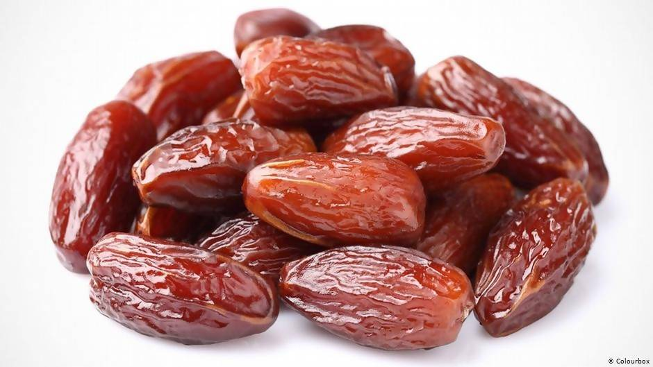 Nukhba dates 1000 gm bags