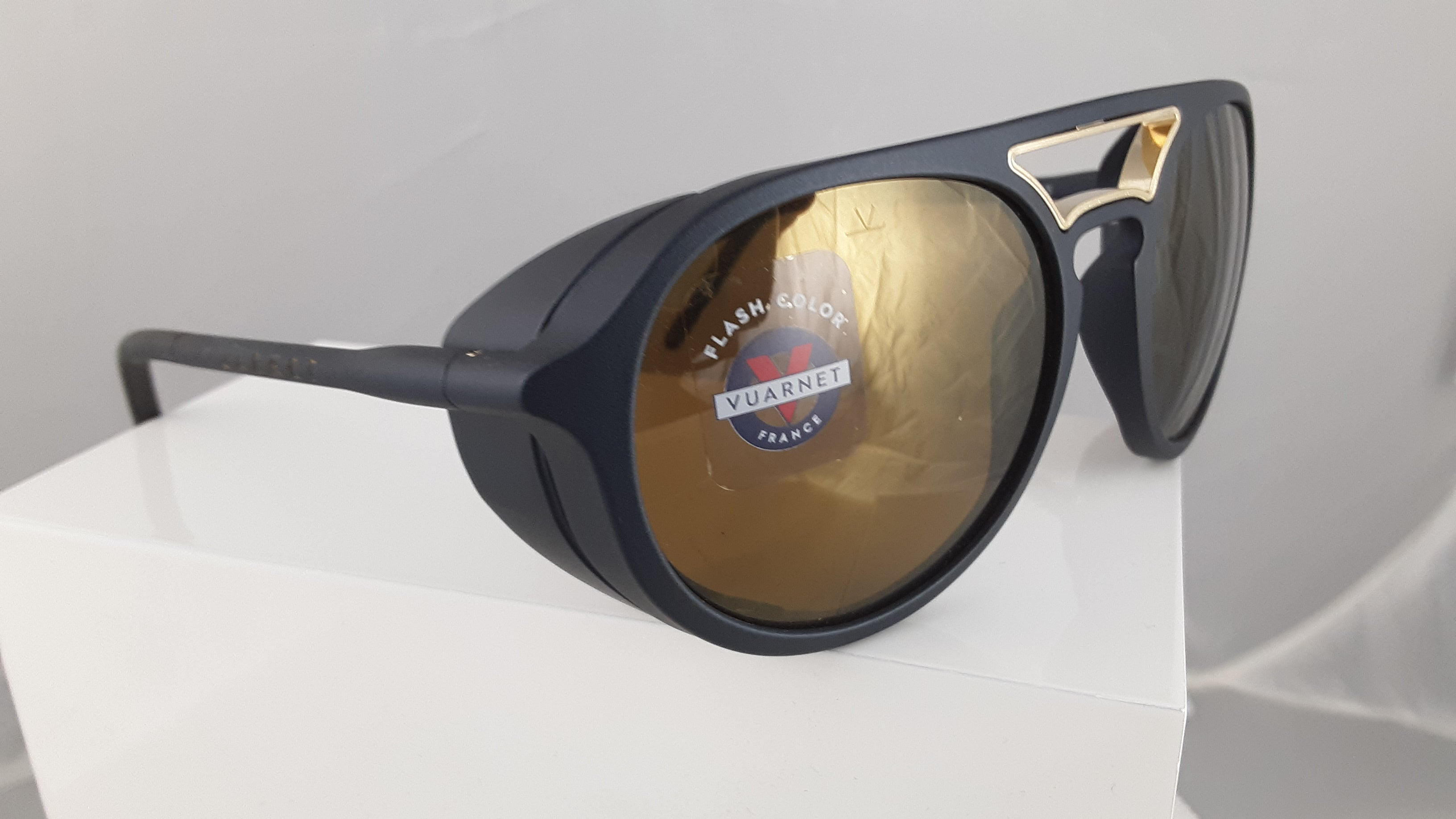 Vuarnet Flash Color black sunglasses with gold lenses