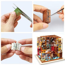 "Load image into Gallery viewer, ""Sam's Study"" DIY Miniature Room"