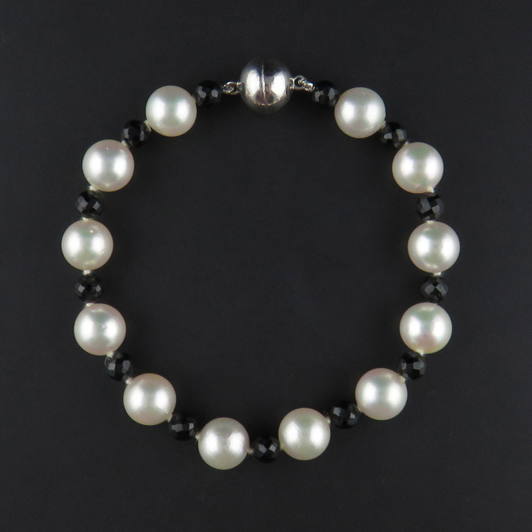 Akoya Pearl and Black Spinel Bracelet
