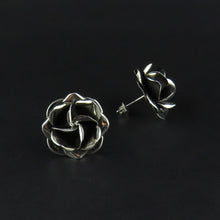 Load image into Gallery viewer, Rose Flower Earrings