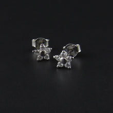 Load image into Gallery viewer, Flower Diamond Earrings