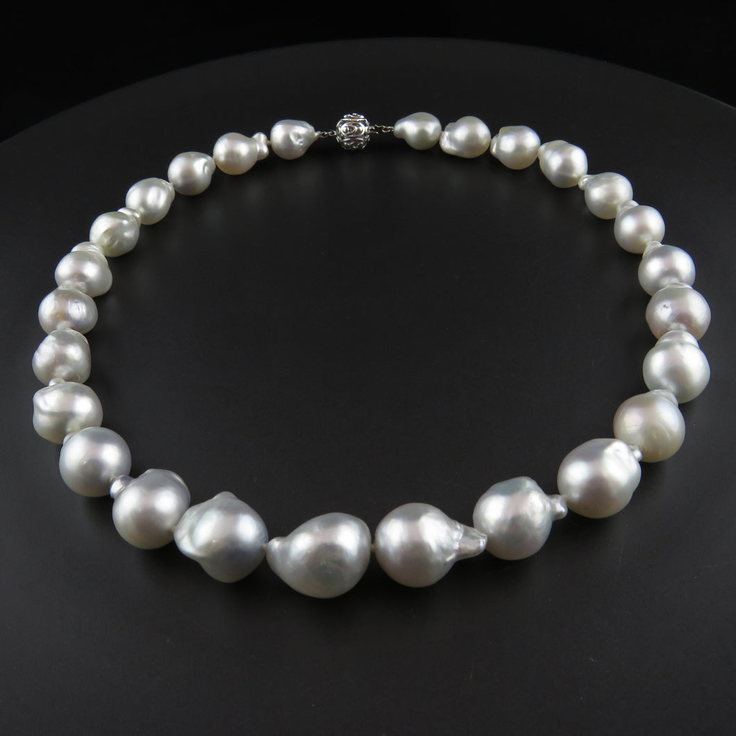 South Sea Baroque Pearl Strand