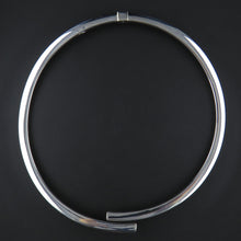Load image into Gallery viewer, Silver Hinged Collier