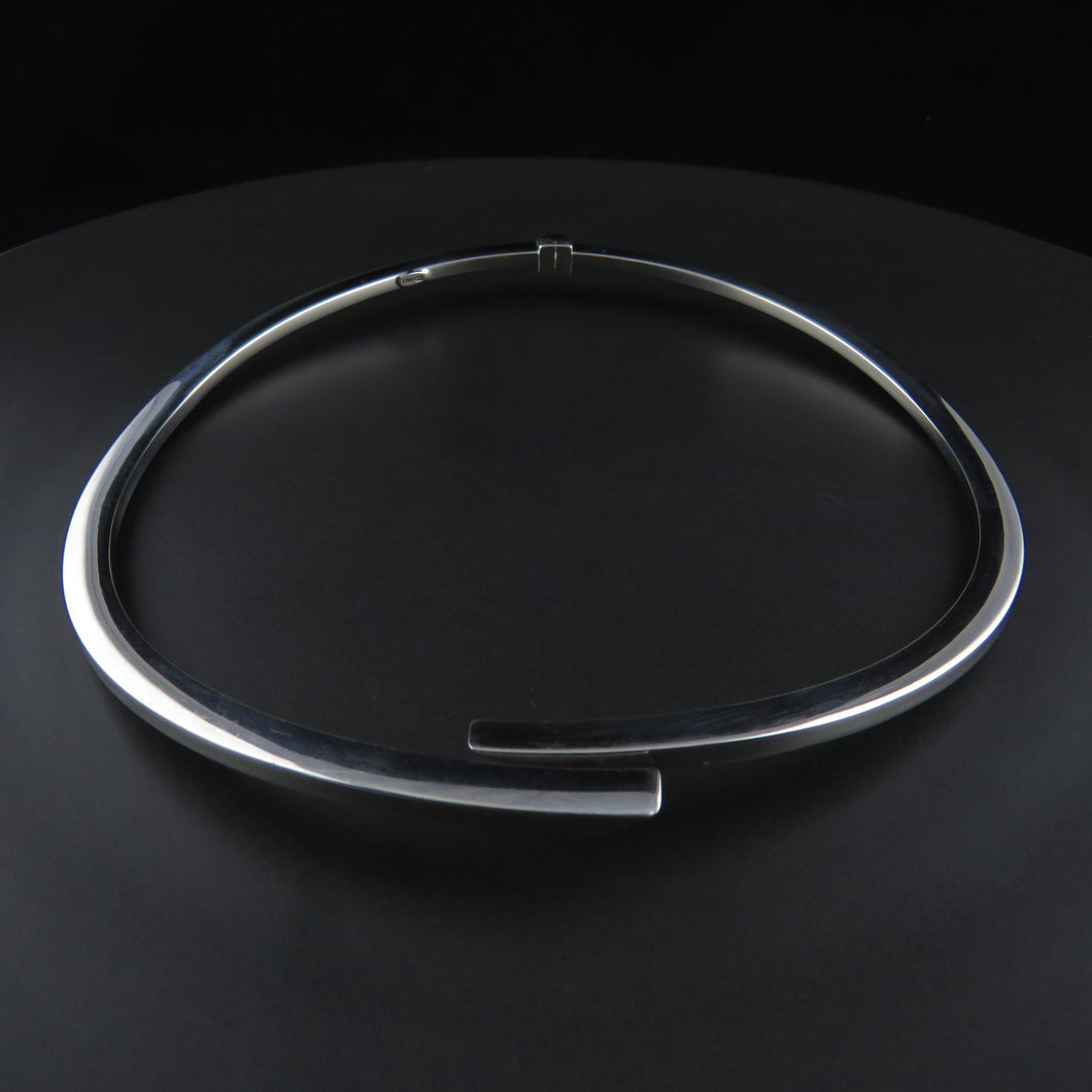 Silver Hinged Collier