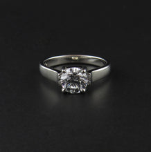 Load image into Gallery viewer, White Gold Diamond Ring