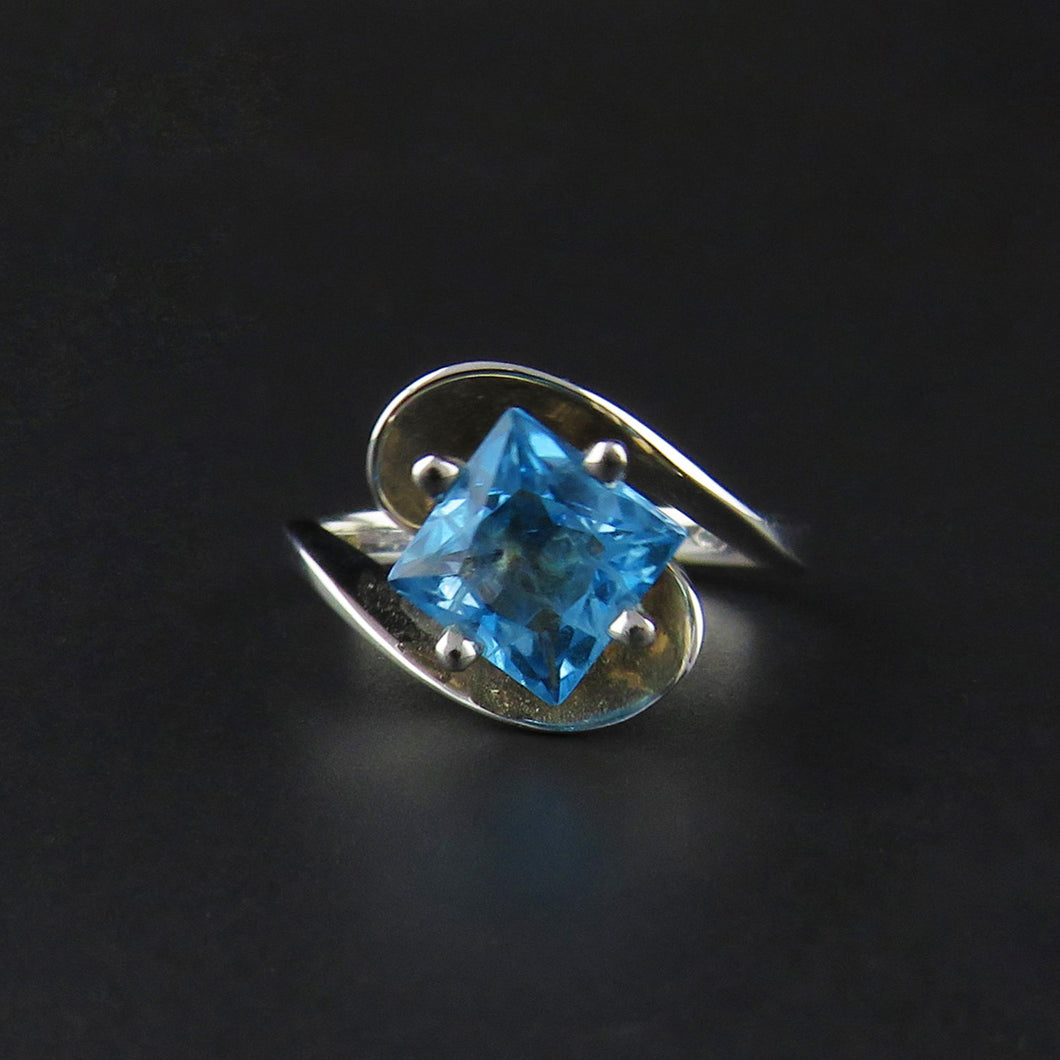 Topaz Twist Ring