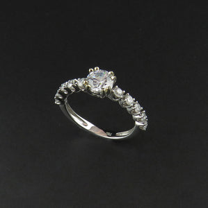 Double Claw White Gold Ring