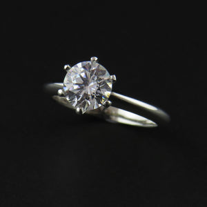 Solitaire Six Claw Ring