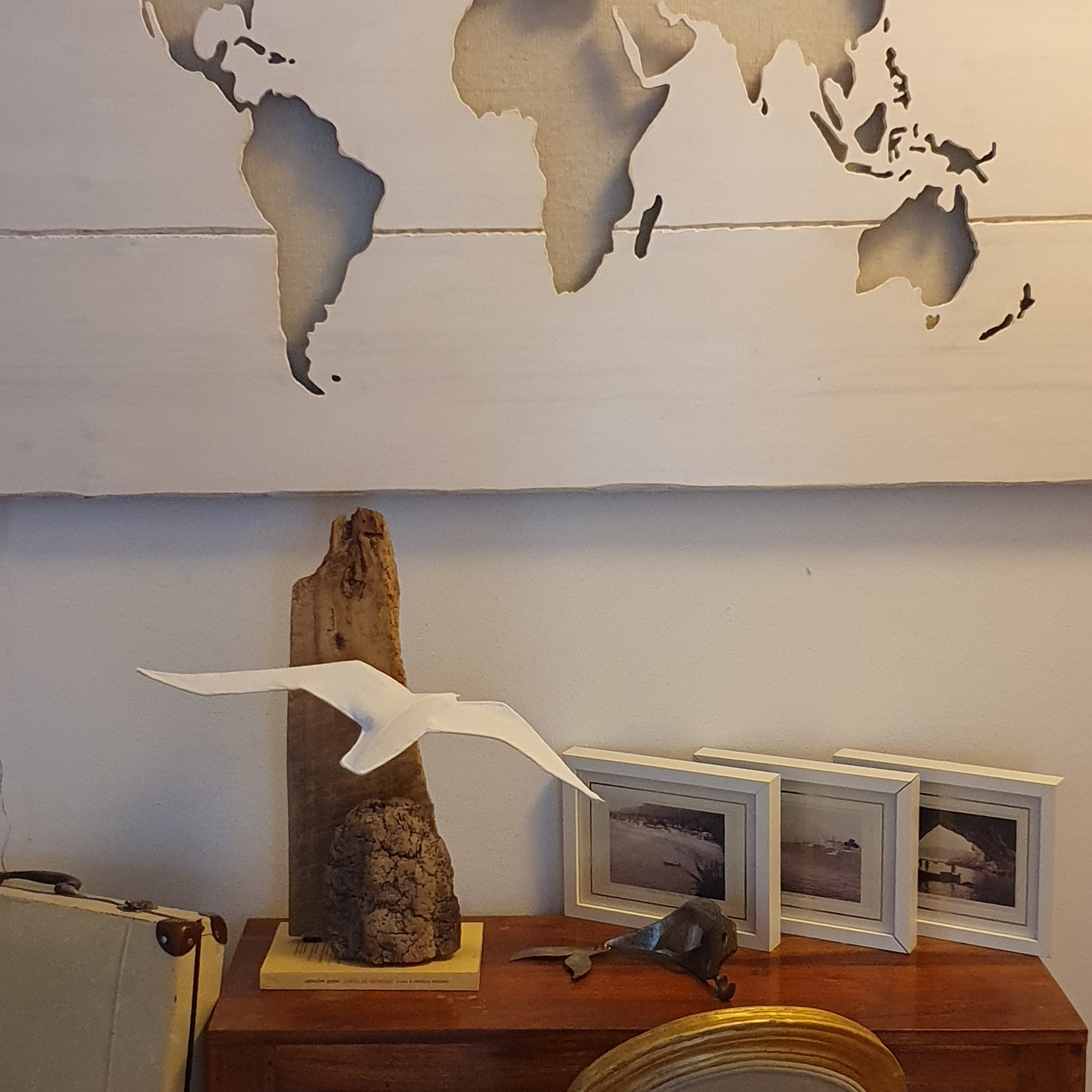 Seagull Lamp with Wooden Support