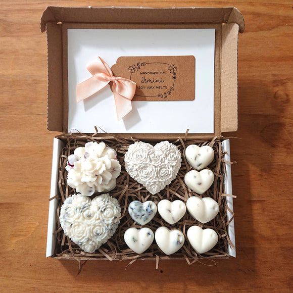 Highly scented wax melts, gift set, lovely hearts, natural soy wax, aromatherapy