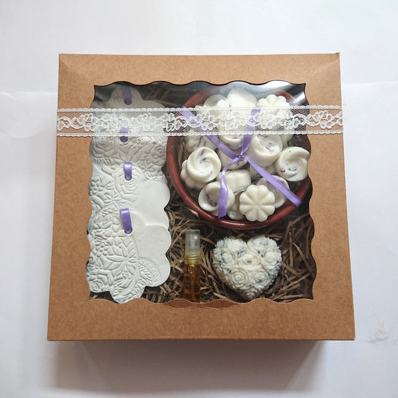 Gift set, gift box, highly scented wax melts, white flowers purple, ribbon clay ornaments, home fragrance