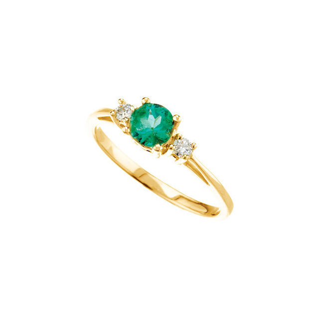 Ring > Diamond > .08 CTW > & > Emerald
