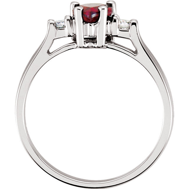 Ring > Garnet & Diamond > Mozambique > Genuine