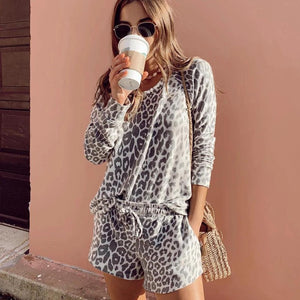 Vittyi Fashion Leopard Printed Round Neck Long Sleeve Sweatshirt Two-Piece Set