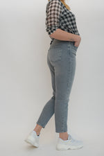 Afbeelding in Gallery-weergave laden, Veneda Life Mom Jeans