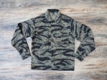 Load image into Gallery viewer, Pike brothers 1966 jungle tiger stripe shirt