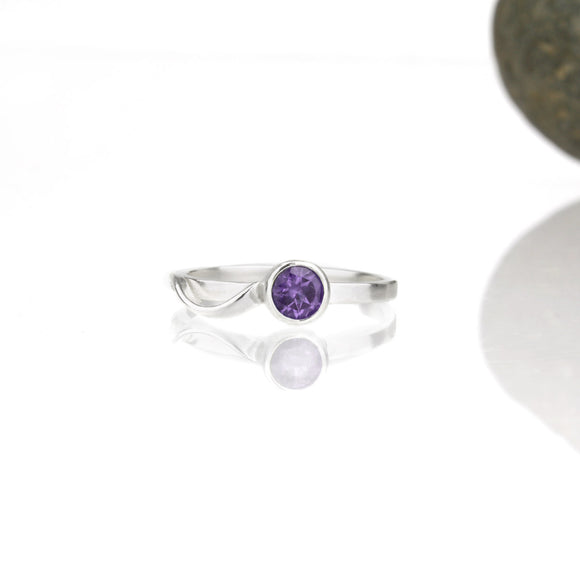 Cascade Ring with 5mm Amethyst