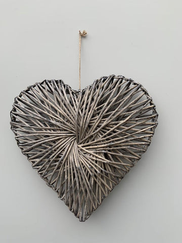 GG Hanging Willow Heart-41cm