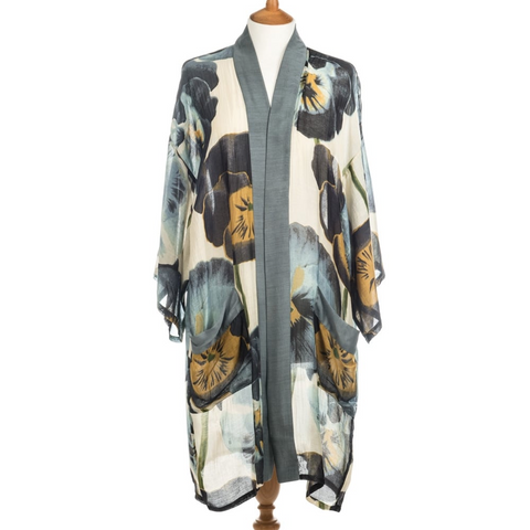 One Hundred Stars 3/4 Kimono With Pockets-Pansy