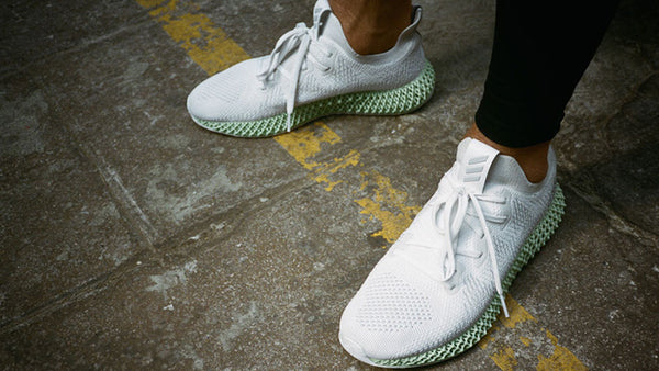 Alphaedge 4D vs Traditional Sneakers