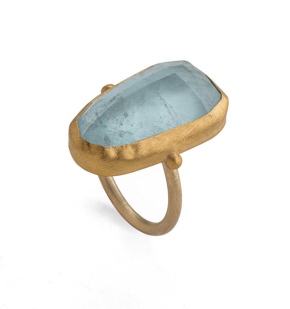A Stone Ring To See The Spirits