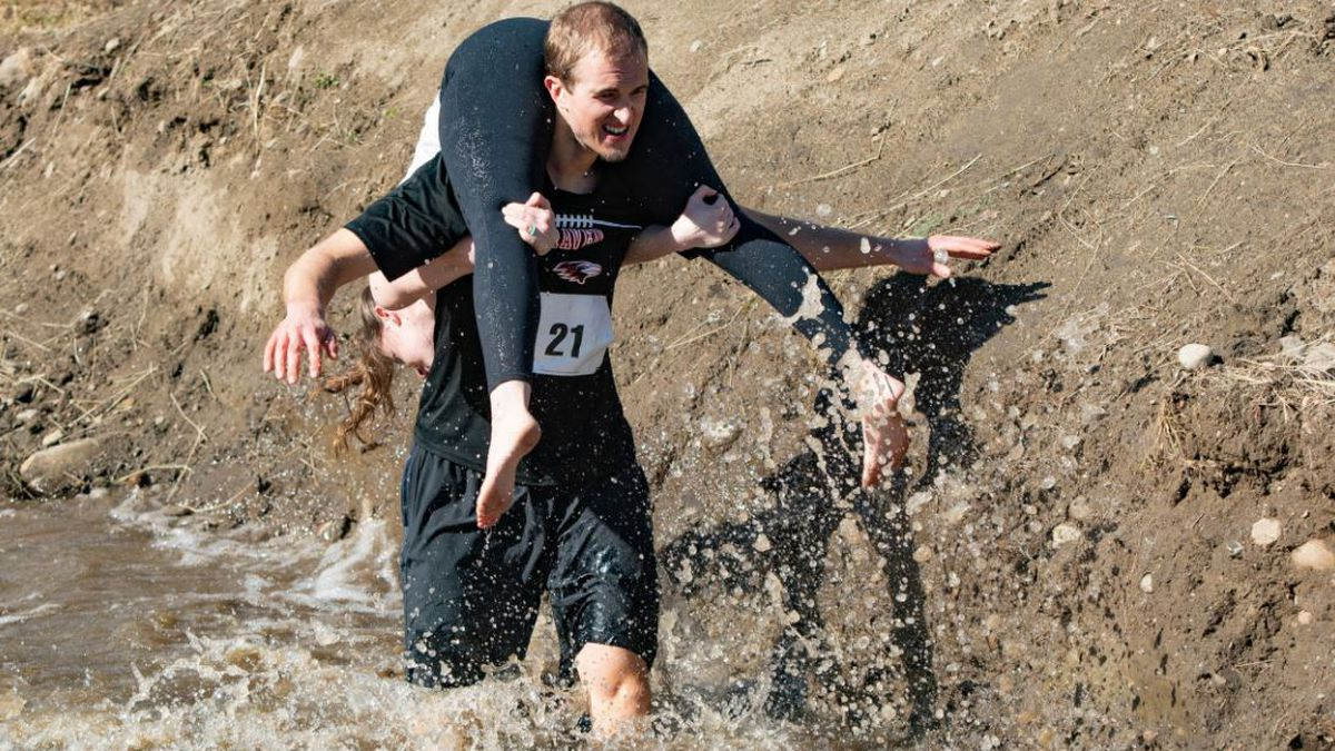Team Lovebirds at the 2020 North American Wife Carrying Championship
