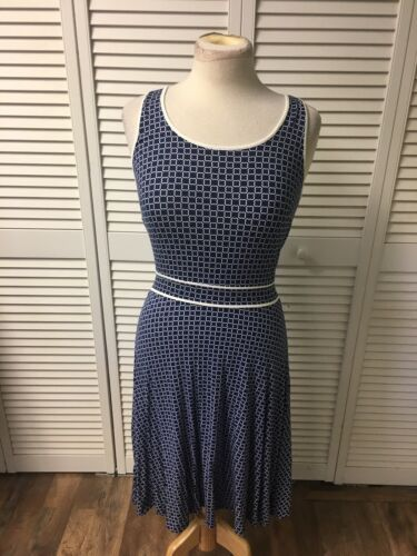 Ann Taylor Women's Size XS Blue And White Dress Flowy Bottom Sleeveless