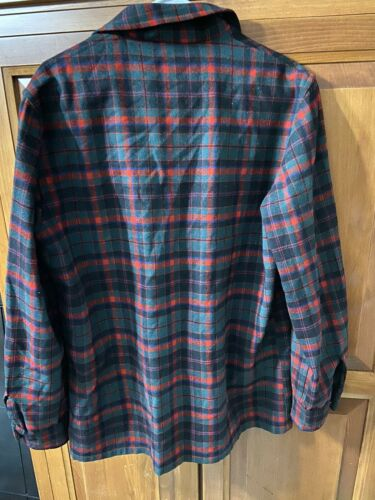 Vintage Pendleton Mens Red Green Black Plaid Shirt Jacket 3 Front Pocket Sz M