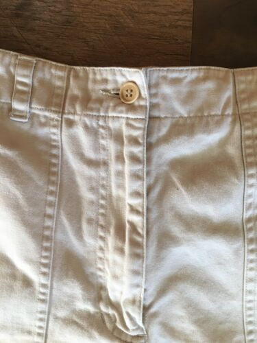 Jones New York Sport Women's Size 10 Light Beige Khaki Shorts W/ Button Pockets