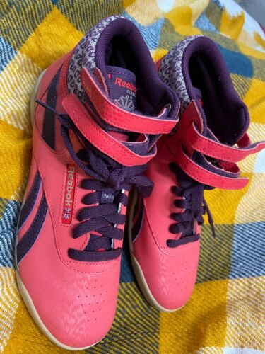 Womens Vintage Pink Purple High Top Reebok Sneakers Tennis Shoes Sz 5.5