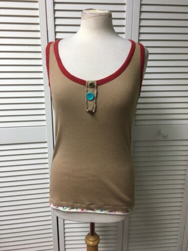 l.e.i. Women's Size Medium Beige Beater Tank Top W/ Red Trim And Button Accents