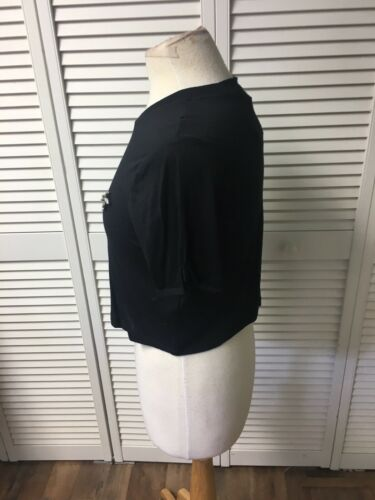 Top Shelf Women's Size US 0 Black Short Sleeve Crop Top With Broach NWT