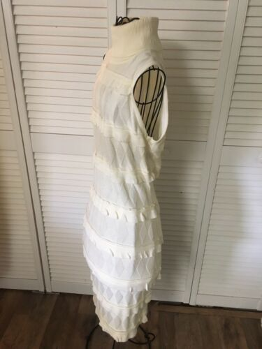 Calvin Klein Women's Size Small Cream Color Sweater Dress Sleeveless Turtleneck