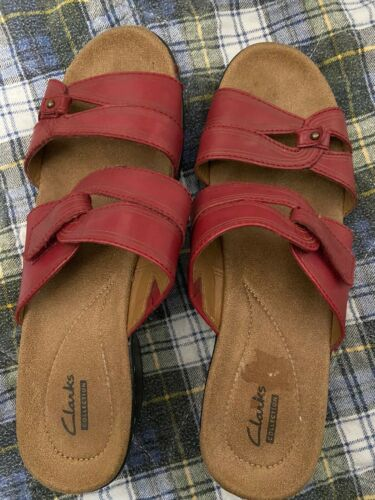 Womens Clarks Red Leather Sandals Sz9