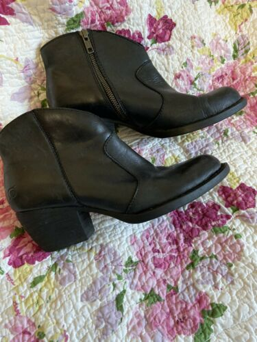 Born Black Leather Ankle Boots Womens Sz 9