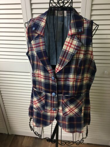 NEW Gaudi Women's Size Medium Plaid Vest With Buttons And Pockets NWT