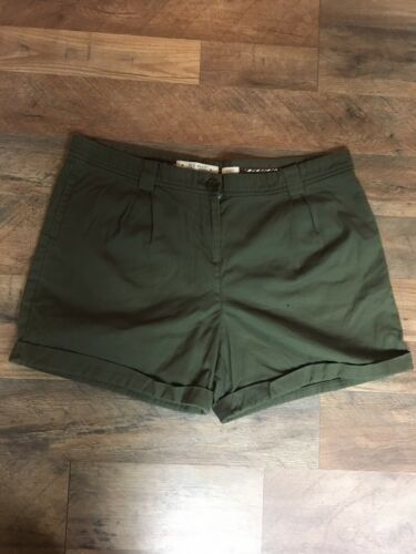 Old Navy Women's Size 14 Green Shorts Stretch With Back Pocket Flaps And Buttons