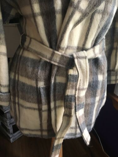 Prato Women's Size 11/12 Plaid Coat W/ Pockets And Fabric Belt 45% Wool