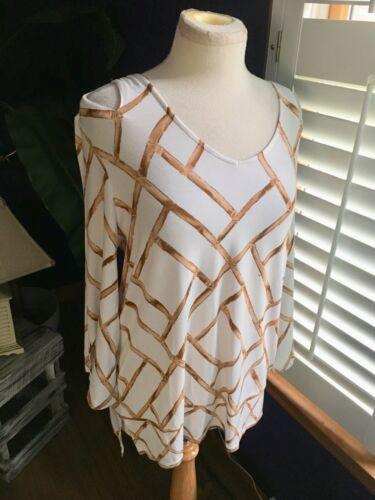 Chicos Women's Size 1 Long Sleeve Blouse Open Shoulders White And Beige Pattern