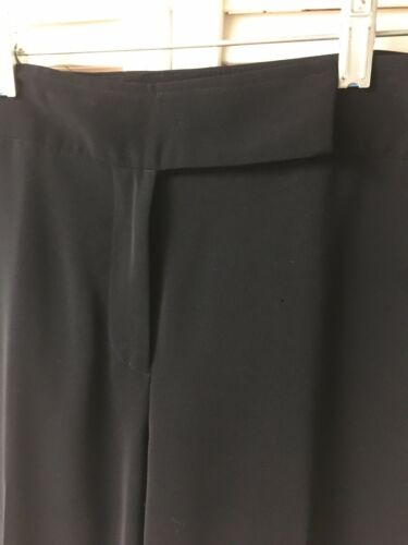 Women's Black Dress Pants Size 12P With Zipper, Button, And Clasp Closure