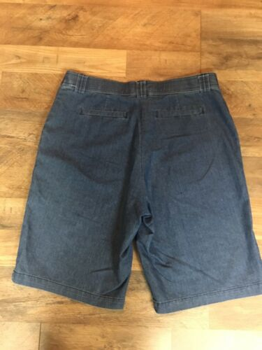 White Stag Women's Size 8 Denim Blue Jean Bermuda Shorts With Pockets