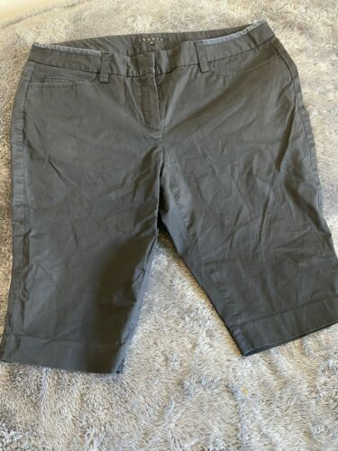 Women's Theory Bermuda Shorts Black Zip Front Sz 10